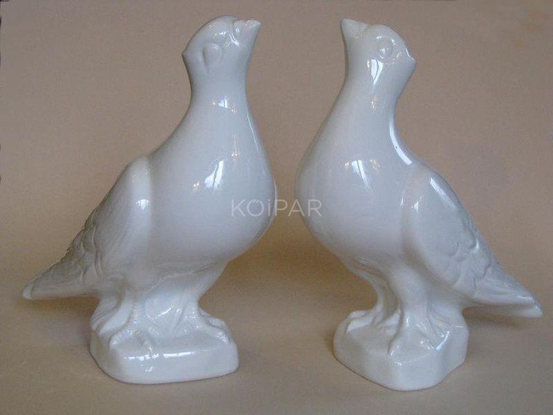 Felfelé néző porcelán galamb jobbos