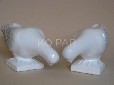 Lefelé néző porcelán galamb