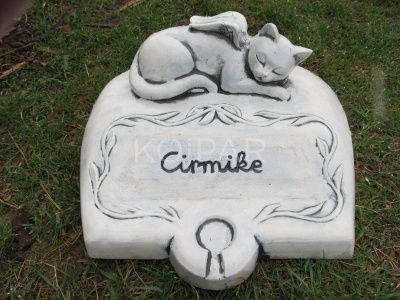 Kisállat sírkő Szárnyas cica